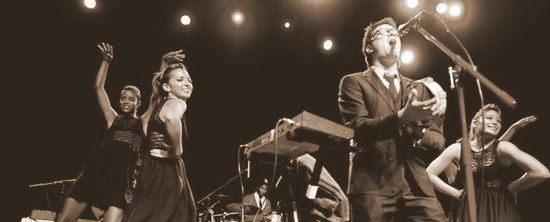 Mayer Hawthorne & The County, Childish Gambino, & Gordon Voidwell @ The Music Box (Pics)